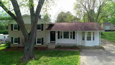 104 Elissa Dr HENDERSONVILLE Four BR, Wonderfully renovated home
