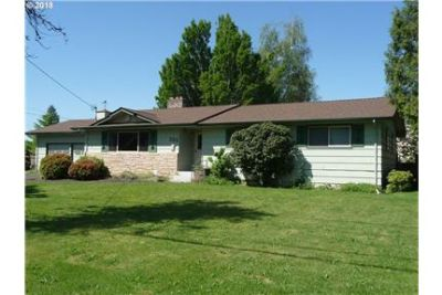 Gracious Ranch Home In Excellent Condition!