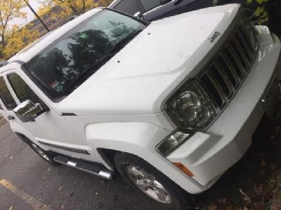 Jeep Liberty Sport 4WD 2011 only 23000 miles