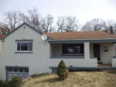 2 Bed 1 Bath Foreclosure Property in West Mifflin, PA 15122 - Greensprings Ave