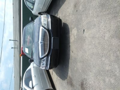 2003 Lincoln Town Car Executive (Black)