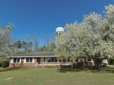 3 Bed 2 Bath Foreclosure Property in Mullins, SC 29574 - Buck Rd