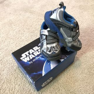 Stride Rite Star Wars LIGHT UP size 10.5 gym shoes sneakers