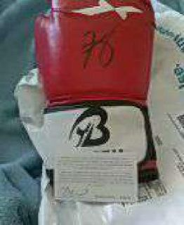 rare autograph comedian kevin hart boxing glove
