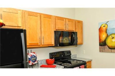 2 bedrooms Apartment - Looking for a modern one-. Single Car Garage!