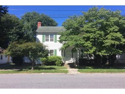 5 Bed 2 Bath Preforeclosure Property in Dover, DE 19904 - S Queen St
