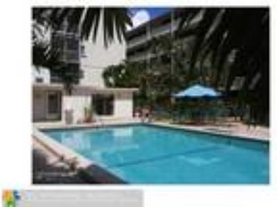 Hollywood, Fl 1b 1, 5b Furnished East of US1