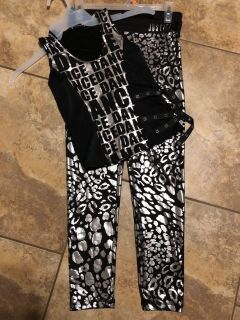 JUSTICE ACTIVE BRAND Brand New Silver & Black 2 pc, DANCE Outfit. Size 14