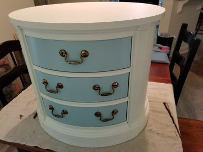 End Table Nightstand w/3 Drawers (Thomasville)