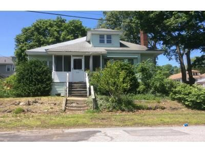 2 Bed 1 Bath Preforeclosure Property in Lawrence, MA 01843 - Dana St