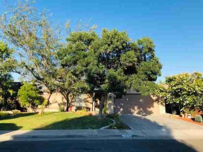 1375 Echo Lane HANFORD Three BR, Lovely, clean, in a quiet