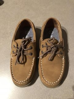 Boys size 1 brown shoes