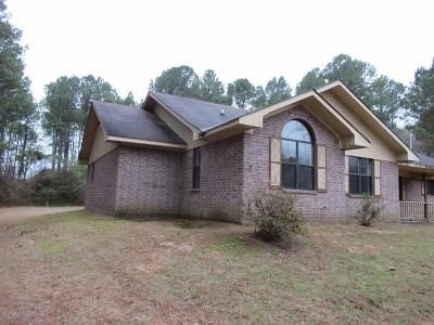 3 Bed 2 Bath Foreclosure Property in Plain Dealing, LA 71064 - Highway 2