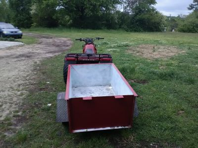 Three wheeler and trailer