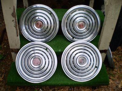 Pontiac Grand Prix Lemans Bonneville Catalina 455 PMD hubcaps 70 71 72