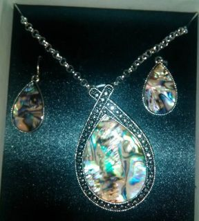 Mixit Necklace/Earring set