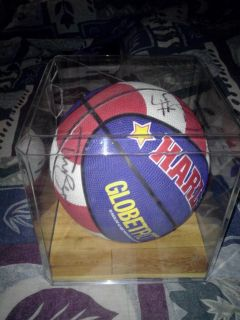Harlem Globetrotters Autograph Basketball In Case And Game Used Net