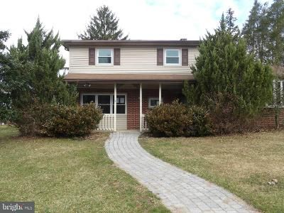 3 Bed 2 Bath Foreclosure Property in York, PA 17402 - Allegheny Dr