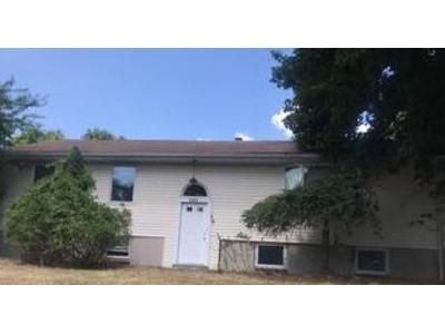 3 Bed 2.5 Bath Foreclosure Property in Randolph, NJ 07869 - Reservoir Ave