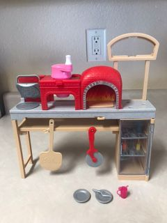 Barbie Careers Pizza Play-doh Playset.
