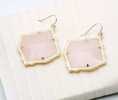 Brand new, Kendra Scott, gold and rose quartz Kirsten earrings!
