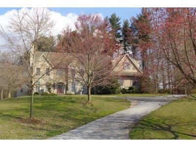 5 Bed 7 Bath Preforeclosure Property in Kennett Square, PA 19348 - Halle Dr