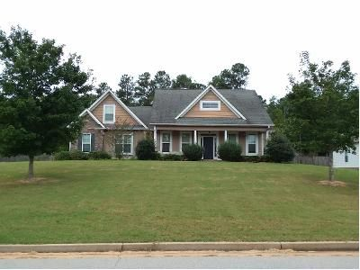 3 Bath Preforeclosure Property in Senoia, GA 30276 - Cody Trl