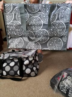 Deluxe organizing utility tote