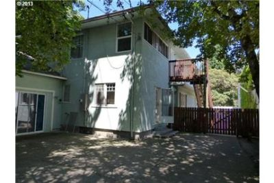 7 Bedroom Home Close to UO