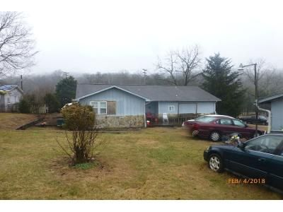 1 Bath Preforeclosure Property in Clinton, TN 37716 - Willoughby Ln