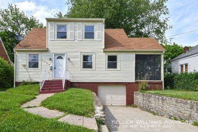 Great house in Kennedy Heights!