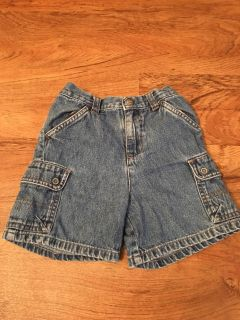 Boys jean shorts. In good condition. No rips or stains. Size 24m. Asking $3