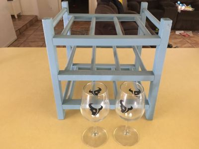 Wine rack with set of glasses