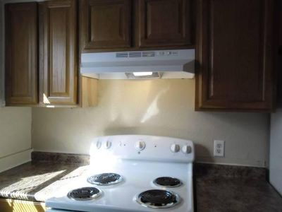 $535, 1br, Timberlake Courts Apartments