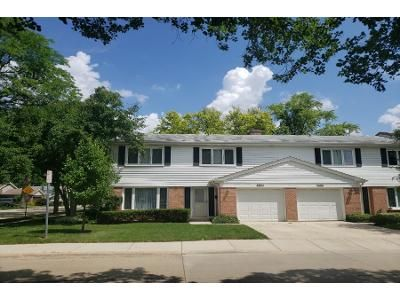 2 Bath Preforeclosure Property in Arlington Heights, IL 60004 - E Bel Aire Dr
