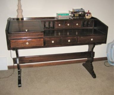 Early American Style Solid Pine Wood Desk