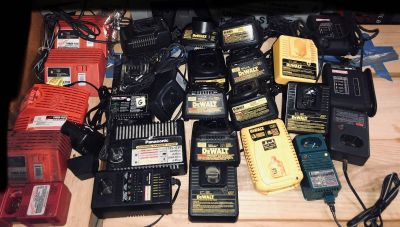 HUGE LOT 25 EXPENSIVE BRAND NAME TOOL BATTERY CHARGERS-READY TO SELL wholesale Lot- RESELL & make a lot of $ !!! DEWALT MILWAUKEE MAKITA