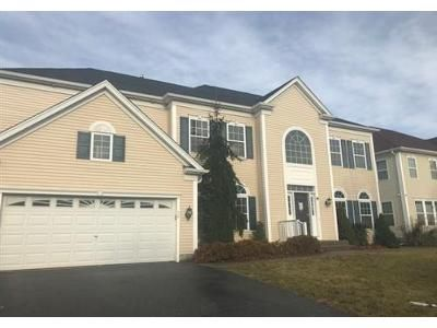 4 Bed 3 Bath Foreclosure Property in Mount Sinai, NY 11766 - Woodstork Dr