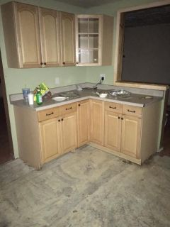 Cabinets & Countertop