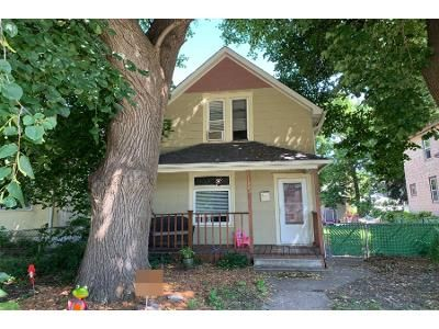 2 Bed 1 Bath Preforeclosure Property in Saint Paul, MN 55104 - Minnehaha Ave W