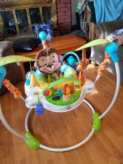 Baby bouncer play station