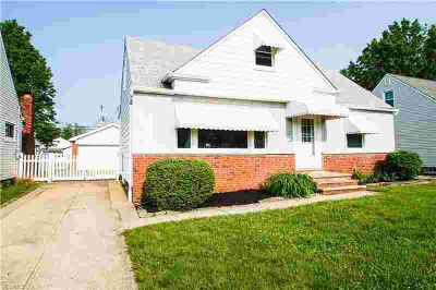 753 Pendley Rd WILLOWICK, Terrific find in this large 3
