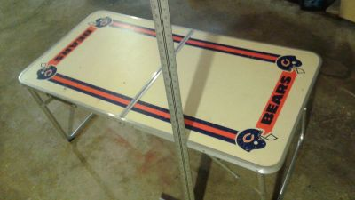 PRICE DROP !!! Chicago Bears Vintage Folding Table