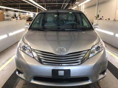 2011 Toyota Sienna LE (Grey)