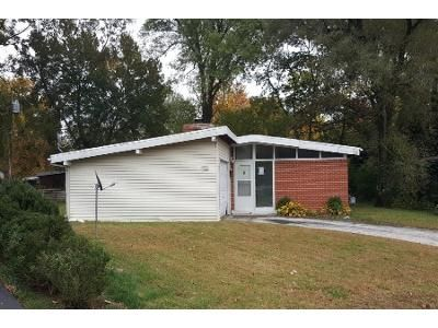 3 Bed 2 Bath Foreclosure Property in Saint Louis, MO 63134 - Graybirch Dr
