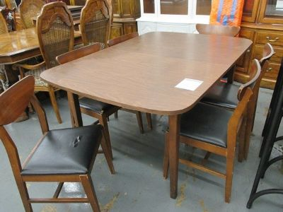 MCM Formica Topped Table and 6 Chairs