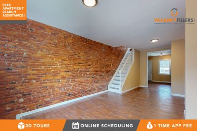 Renovated 3 bed in Greektown w/den and backyard!!