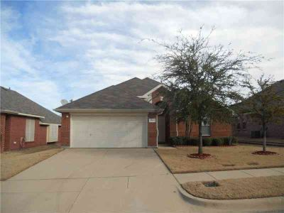 313 Brasher Lane EULESS, Come see this IMMACULATE and