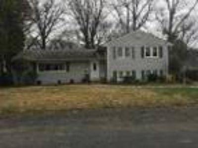 Four BR One BA HOUSE IN LANHAM - RealBiz360 Virtual Tour