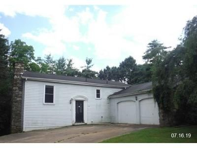 4 Bed 2.1 Bath Foreclosure Property in Clyde, NC 28721 - Forsythia Ln